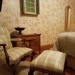 Sitting area in Aimee Guestroom
