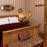 Mary Guest Room - Farmers Guest House Galena, IL
