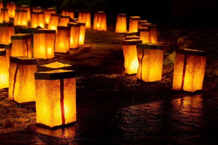 christmas in northern illinois, luminaries